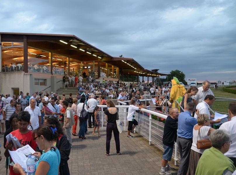 hippodrome de Saint Galmier Saint Etienne organisation d'évenements Loire 42