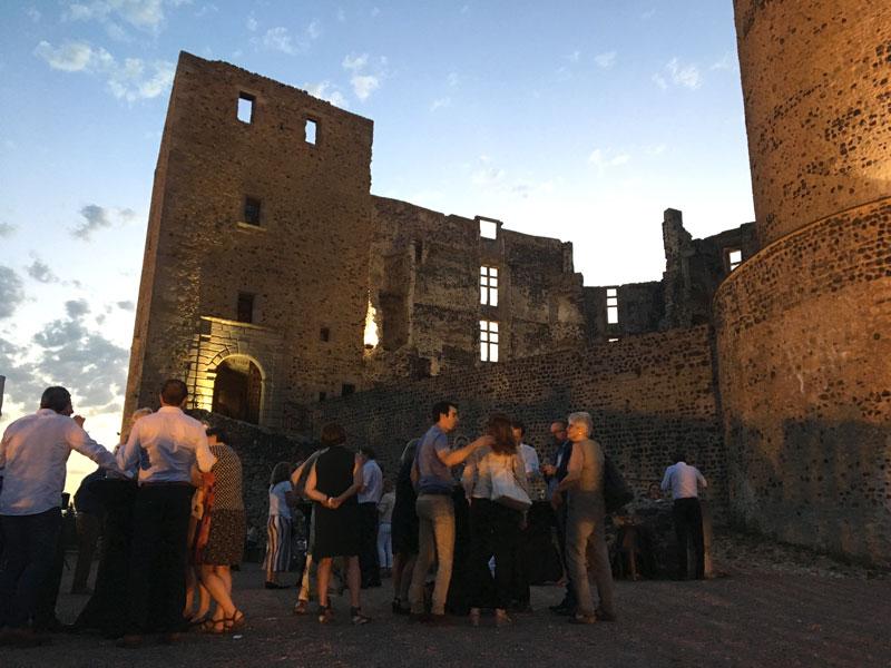 évenement d'entreprise au chateau de Montrond les Bains Loire organisé par l'Aence CLOEE Evénements