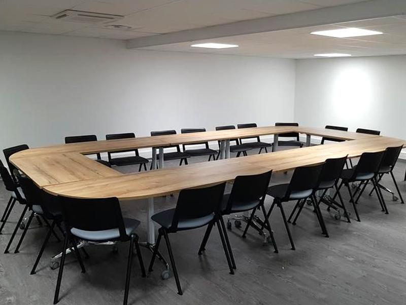 salle de réunion la Passerelle à St Just St Rambert - agence CLOEE